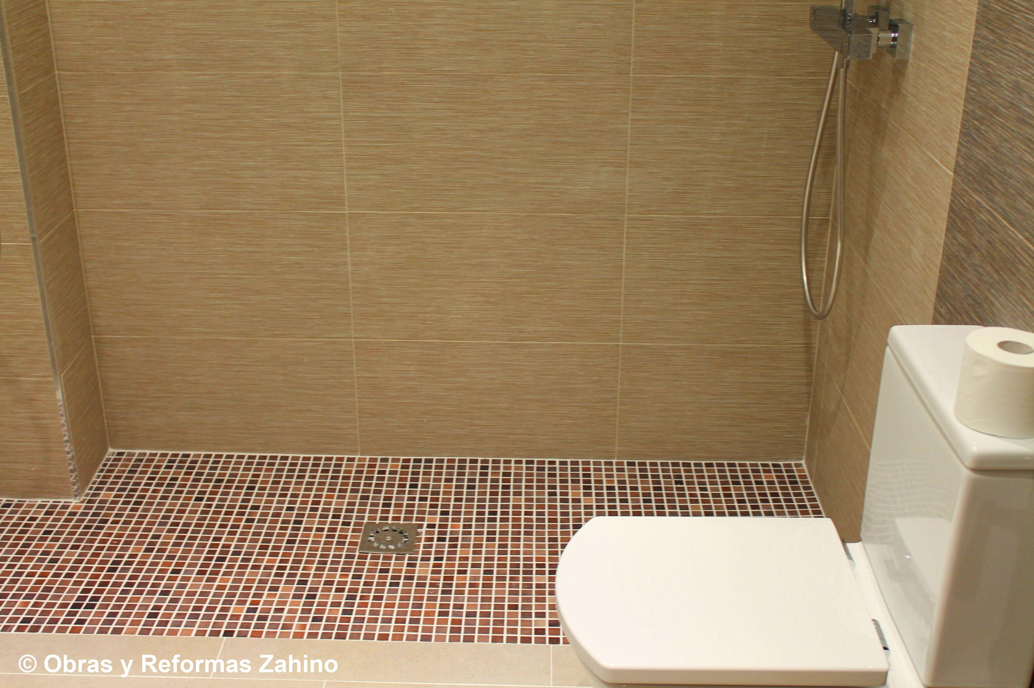 Plato de ducha de obra en gresite servicios de obras y - Suelos de ducha antideslizantes ...