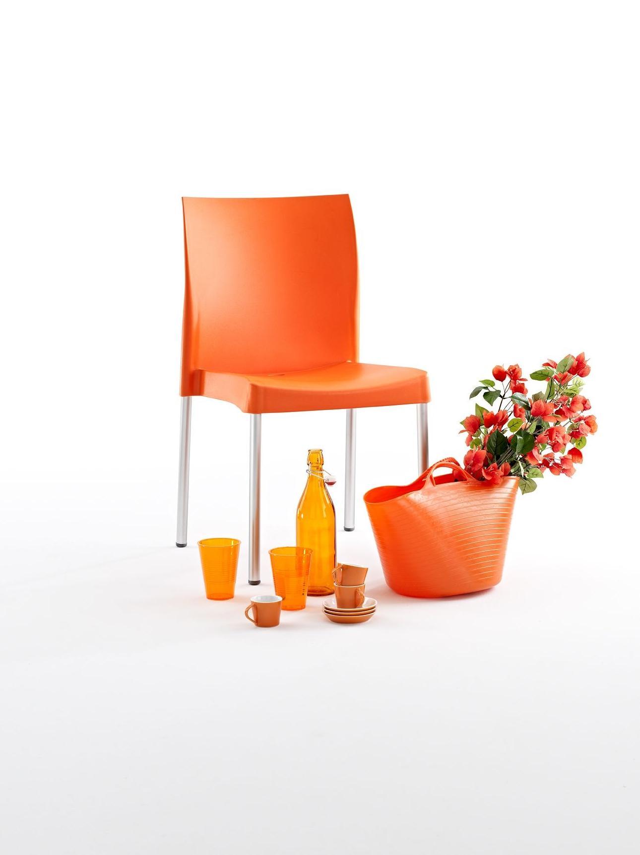 Silla de diseño color naranja