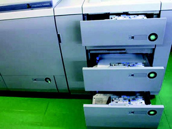 Foto 12 de Imprentas en    Imprenta Meneses Gráfica Digital