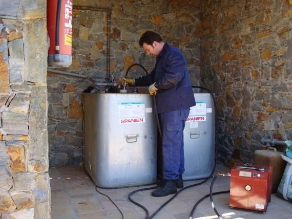 B limpieza de dep sitos de gasoil servicios de - Limpieza chimeneas de lena ...