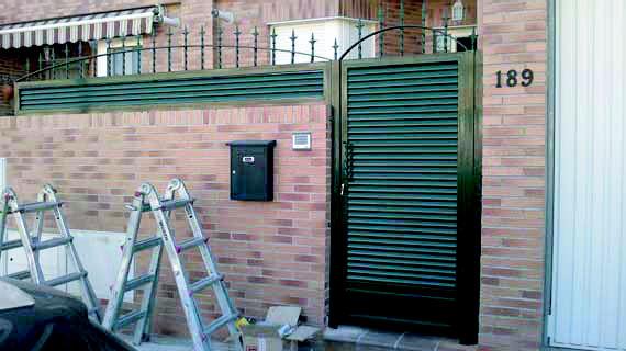 Foto 25 de Carpintería de aluminio, metálica y PVC en Valdemoro | Cerrajería Dugaval