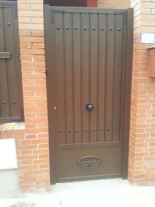 puerta cancela chalet madrid