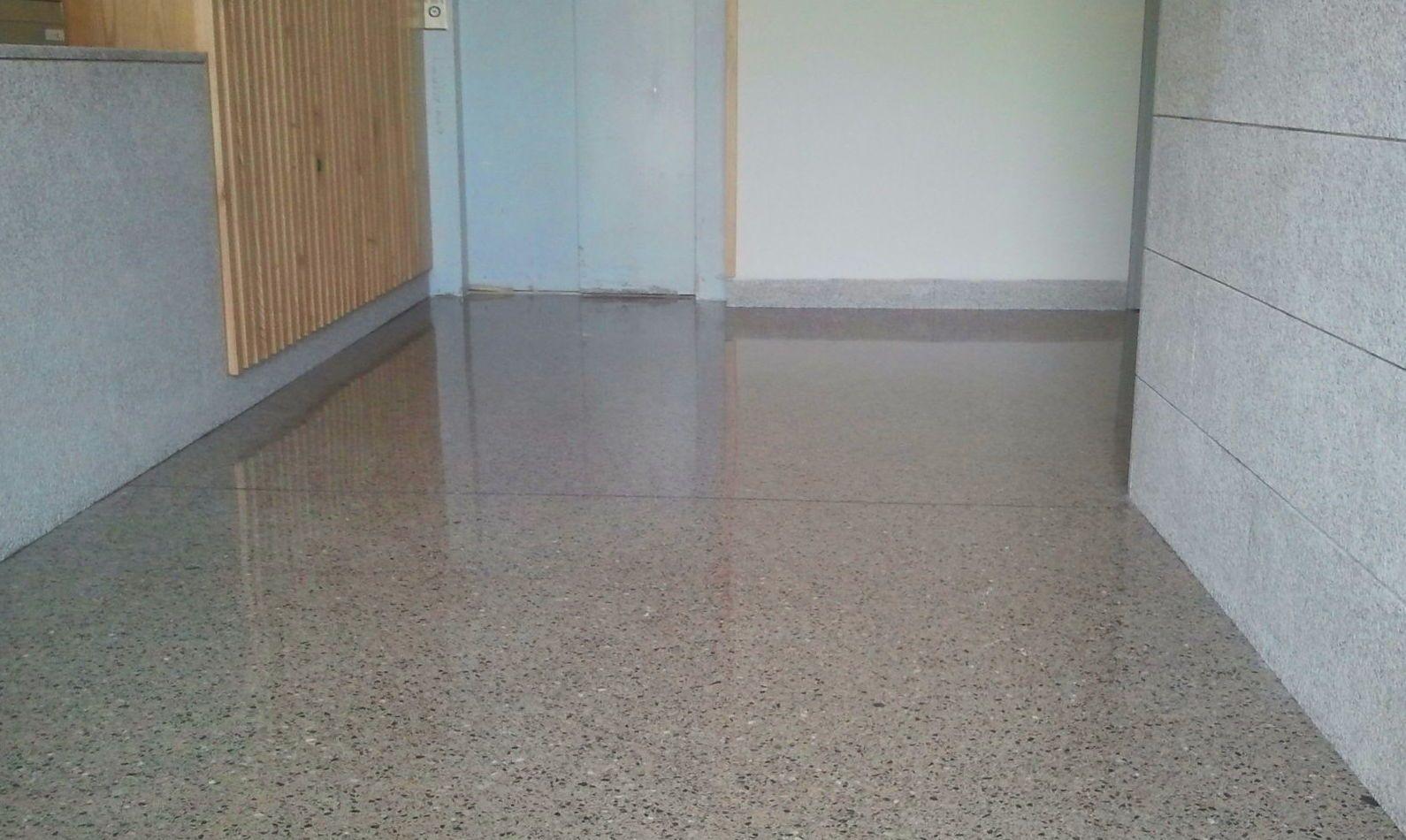 Suelos hormigon pulido cool pavimento de hormign encerado - Pavimento hormigon pulido ...