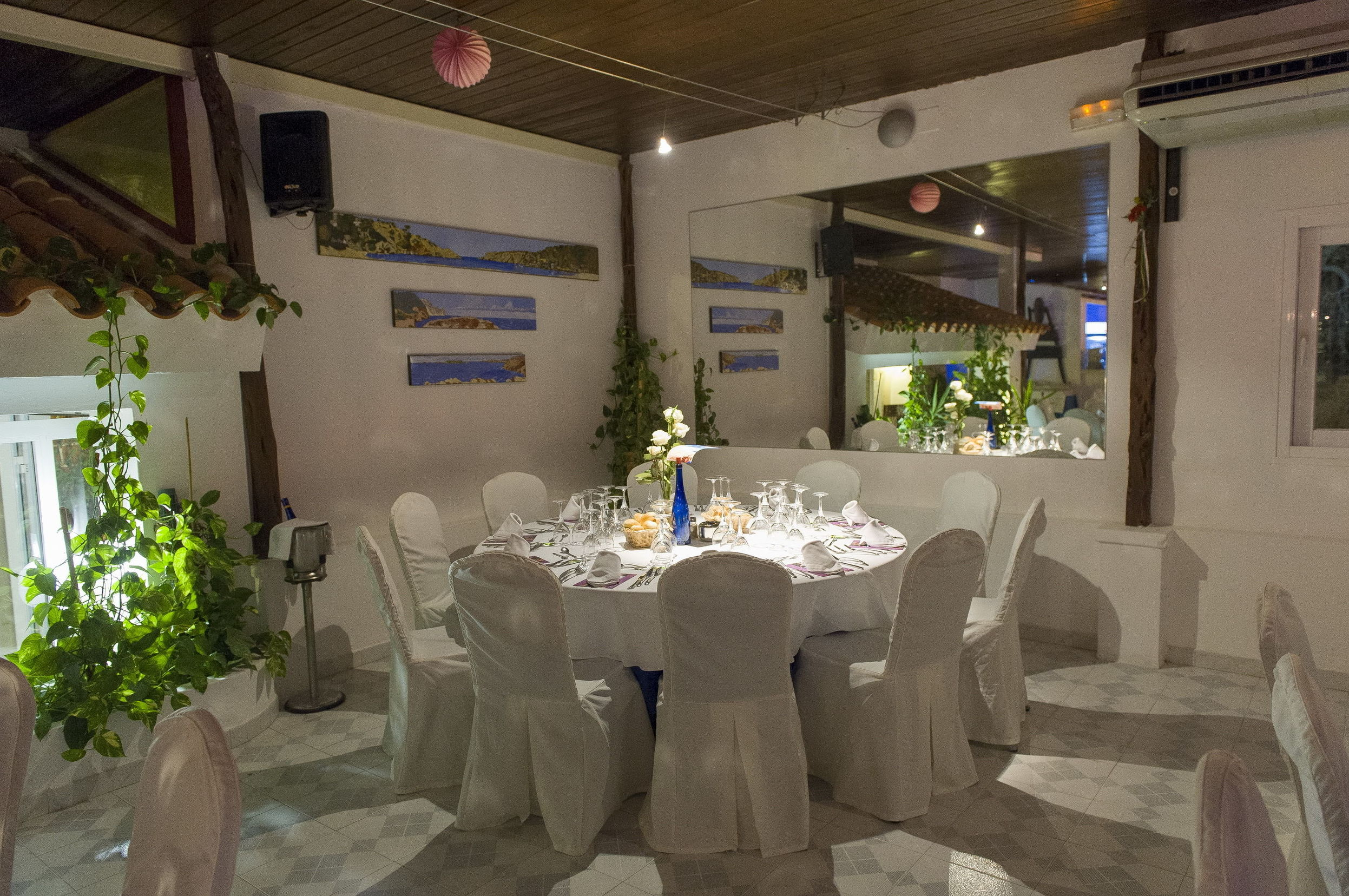 Mesa redonda en nuestro restaurante