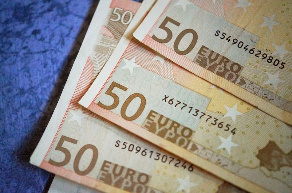 A sol.licitud del treballador el FOGASA revisa la quantitat pagada i li paga 5.000,00€ més.