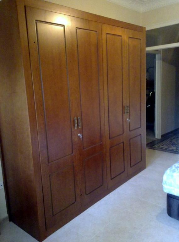 Armario de puertas batientes Cerezo Pantografiado