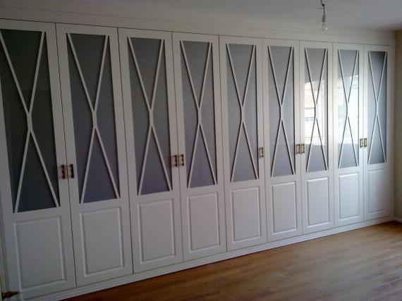 Frente de puertas batientes lacadas mod.Aspa