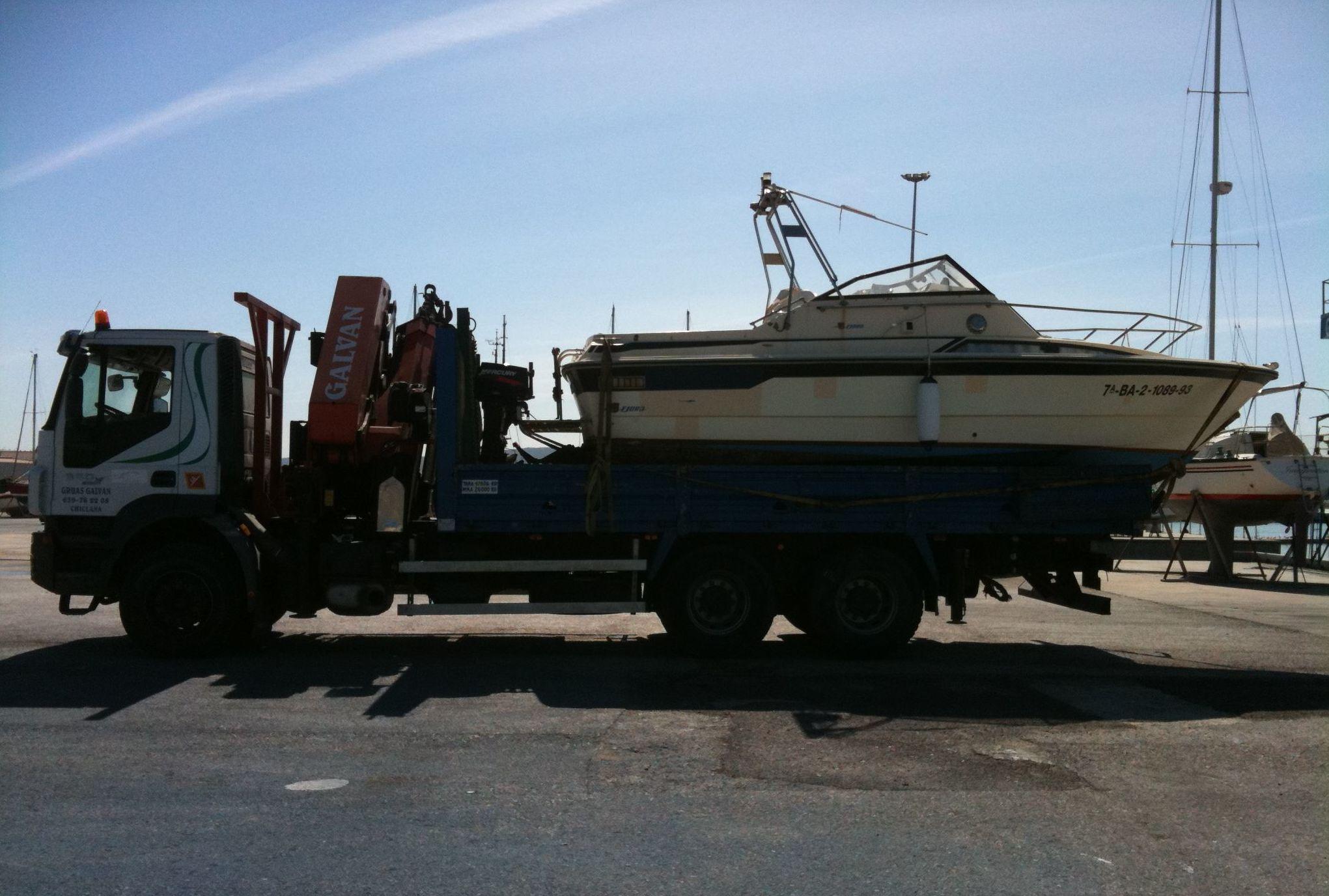 Transporte de embarcación en Zahara de los Atunes