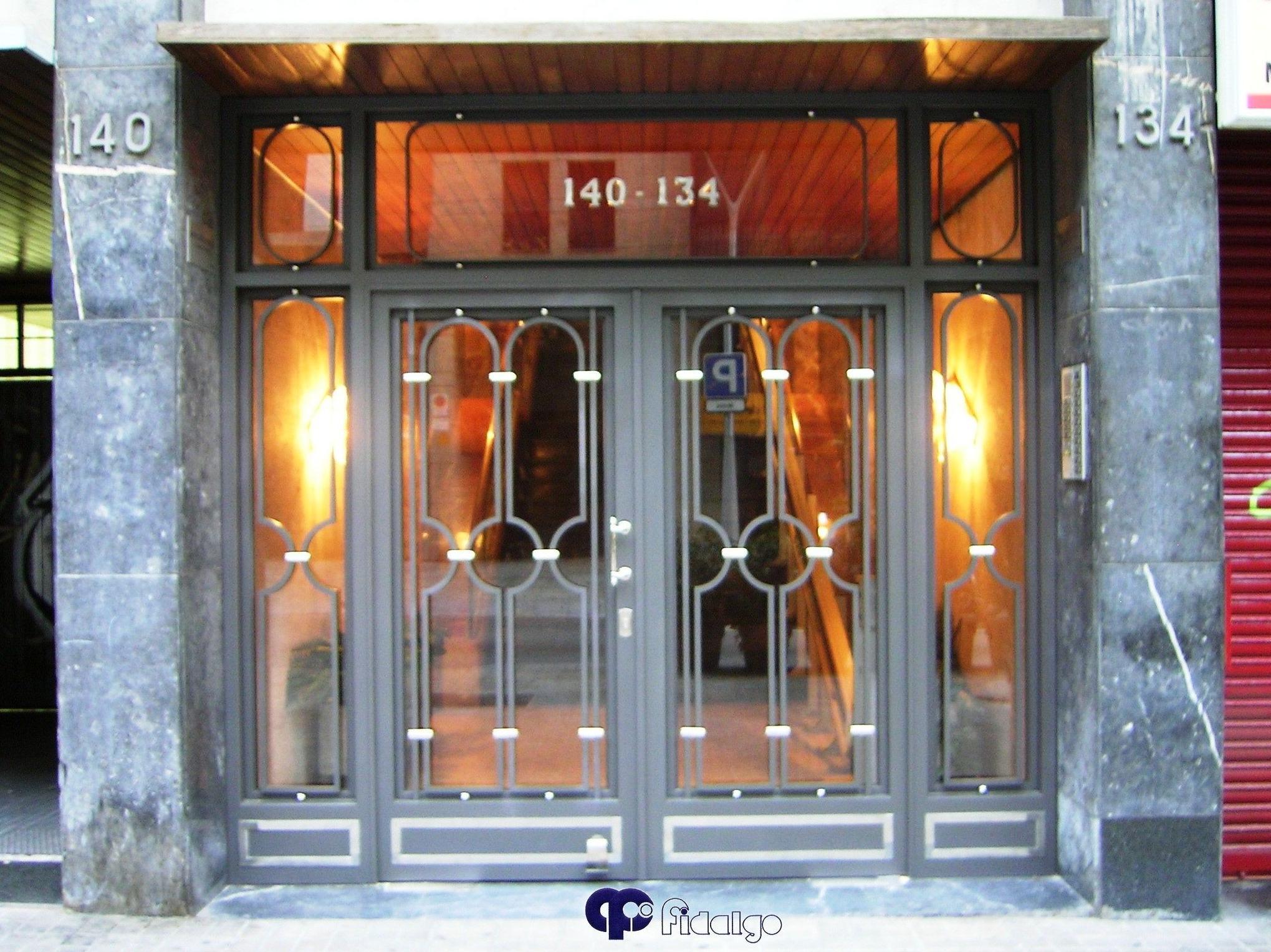 Puertas productos y servicios de forjafid puertas para - Puertas de servicio ...