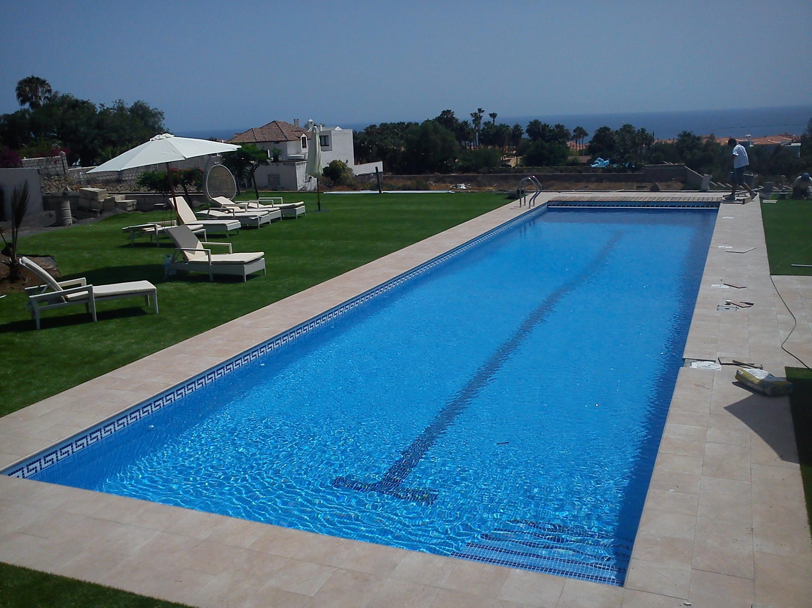 Cubiertas autom ticas para piscinas en tenerife piscinas - Cubierta de piscina ...
