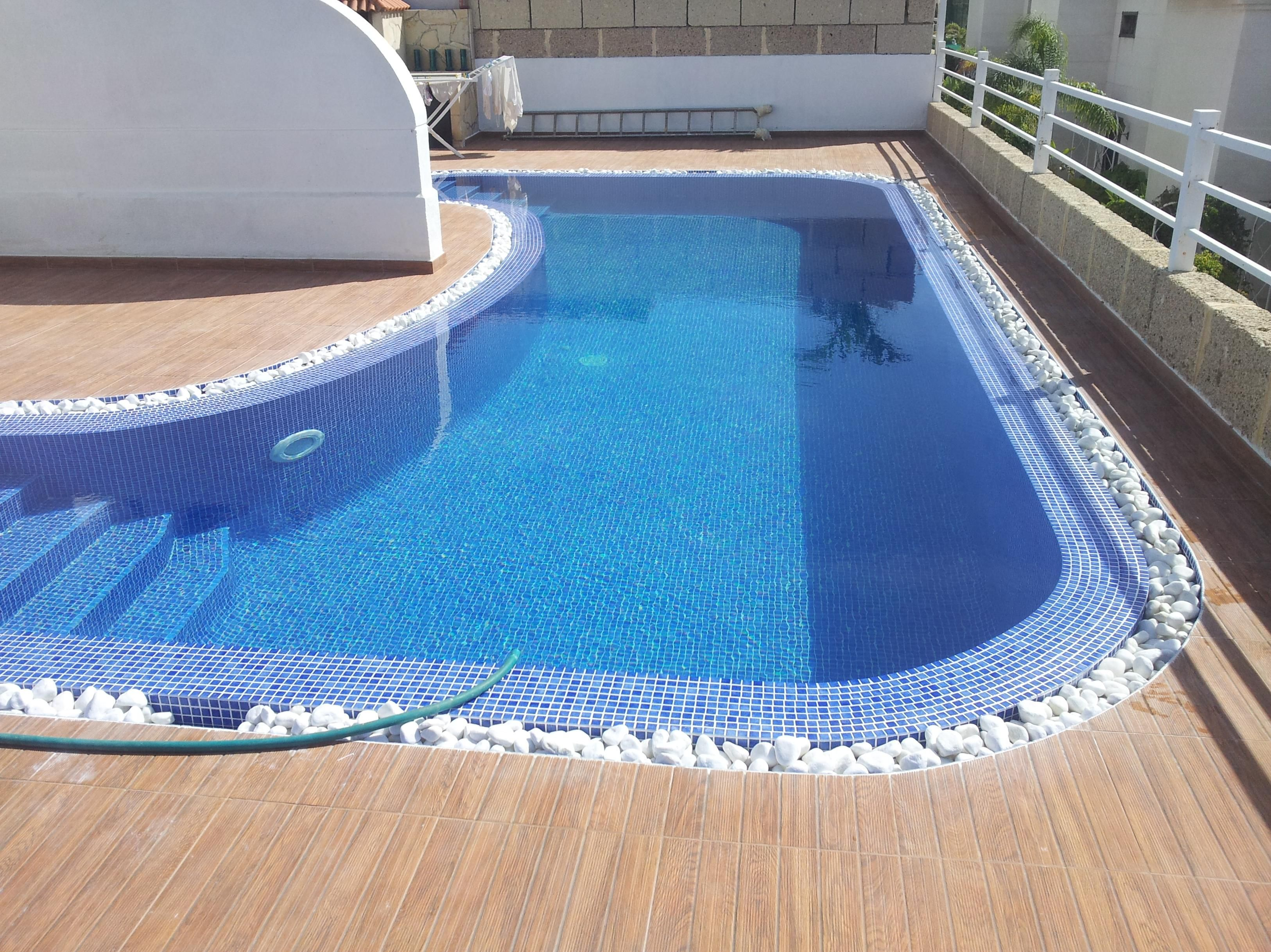 Cubiertas autom ticas para piscinas en tenerife piscinas for Instalar piscina precios
