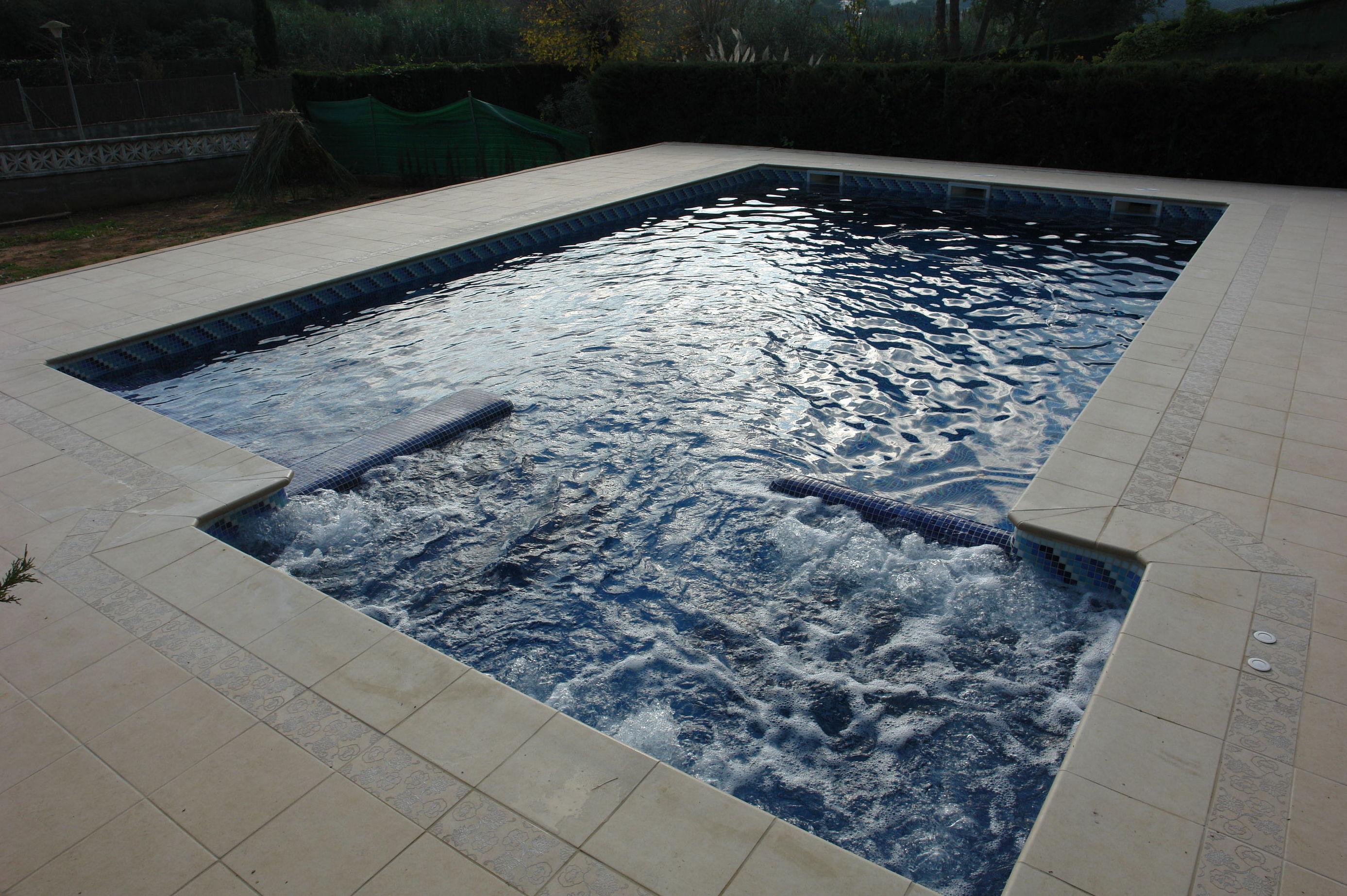 Piscina p blica servicios de aquanet piscinas s l for Piscina publica barcelona