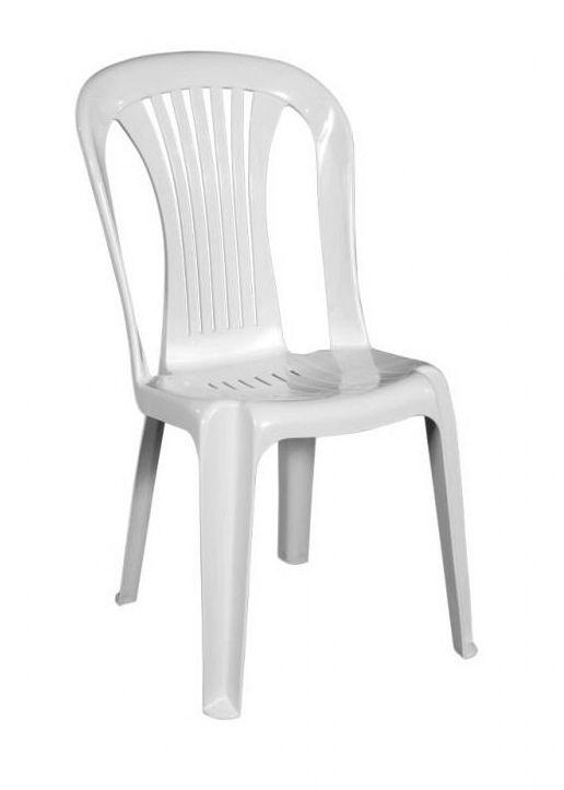 Alquiler de sillas de plástico, en Llanes.