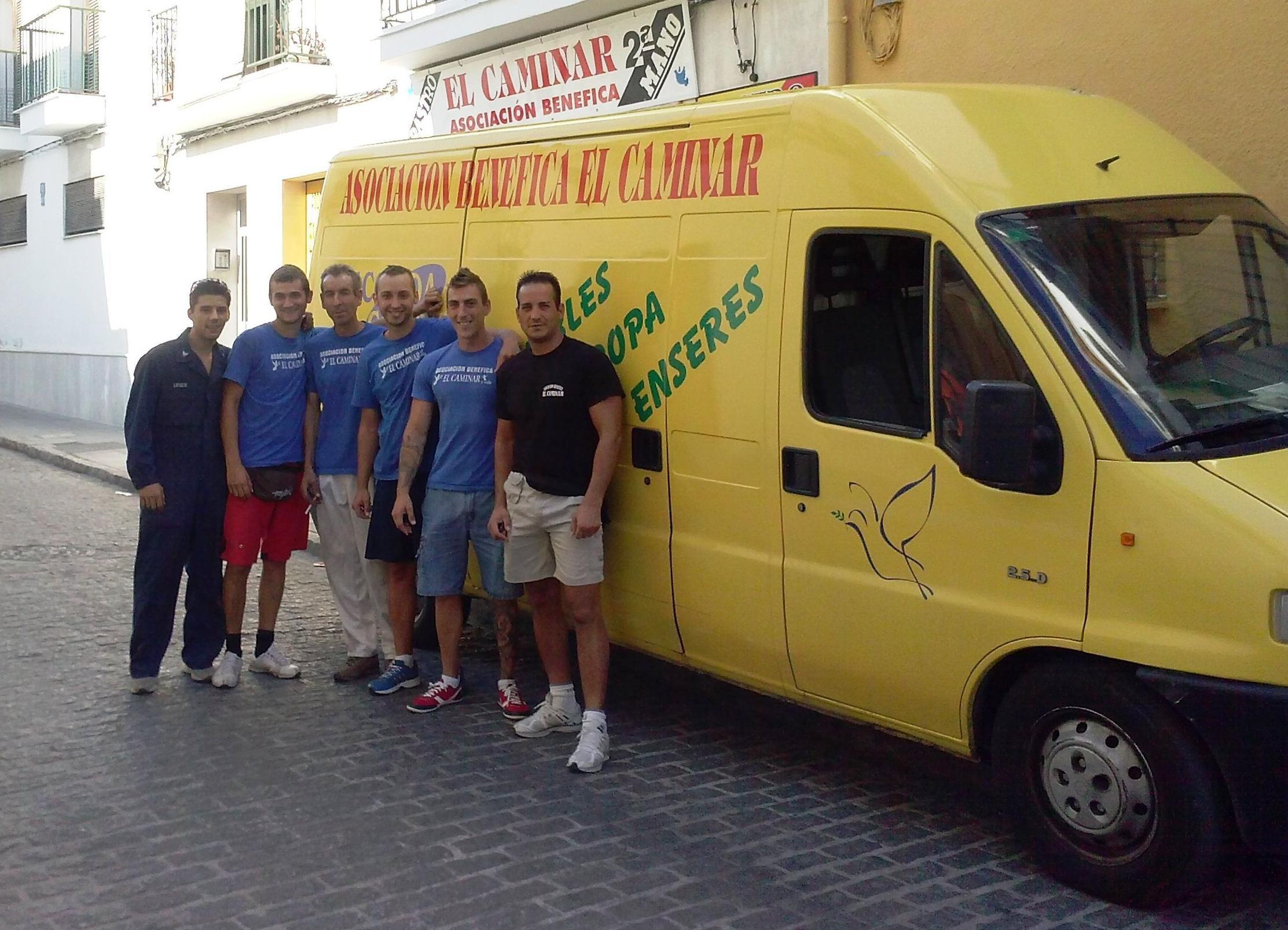 En la recogida de muebles en Puerto Real, Cádiz, totalmente gratis cuente con...