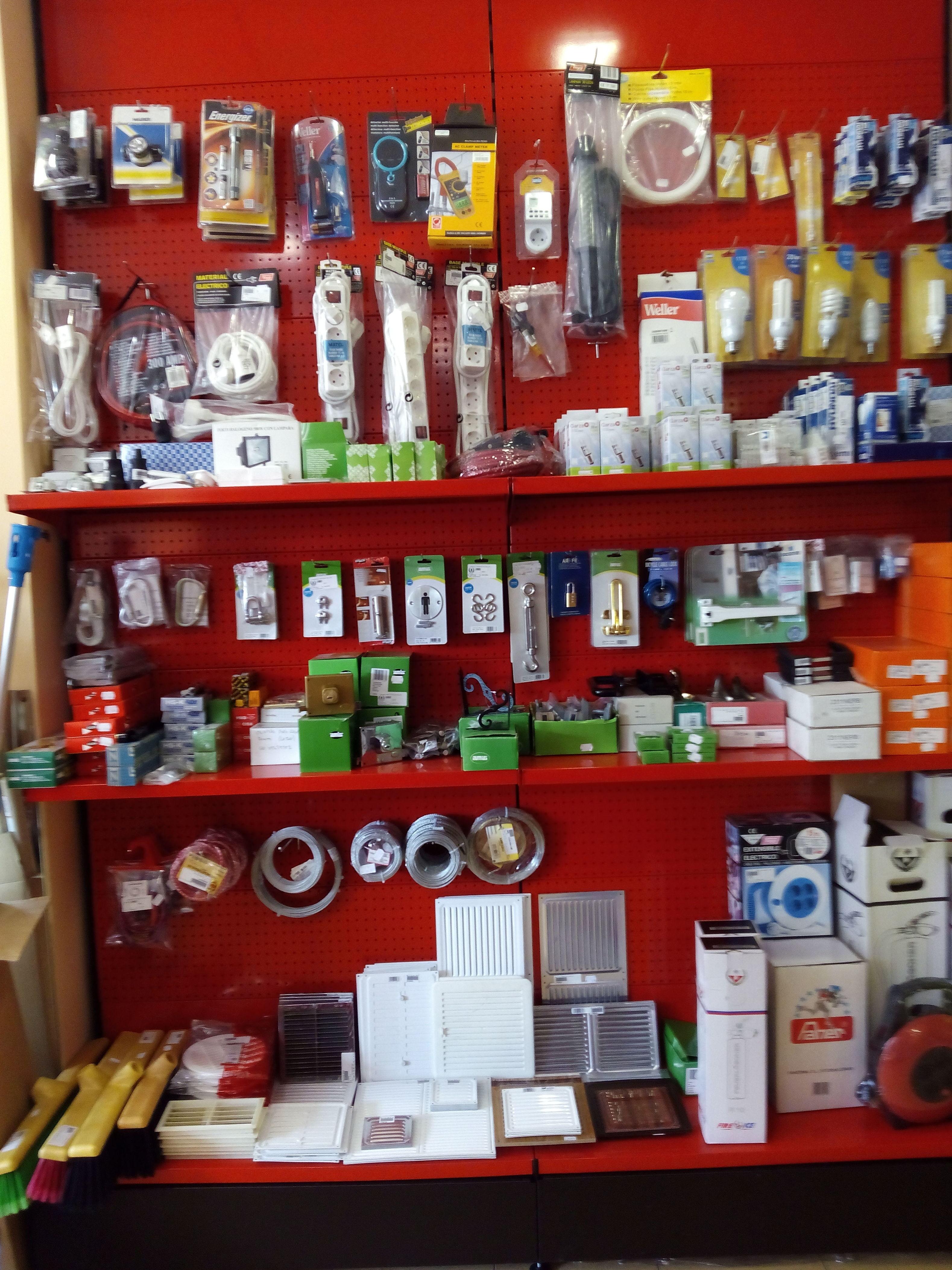 Tienda de León 8 electricidad, ventilacion)