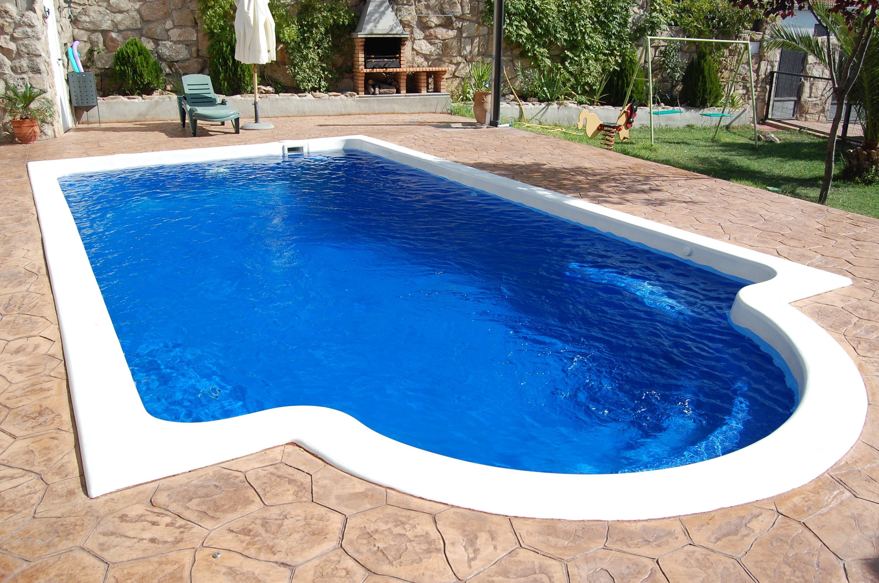 Piscinas freedom pool piscinas y accesorios de ardigral for Precio piscina obra 8x4