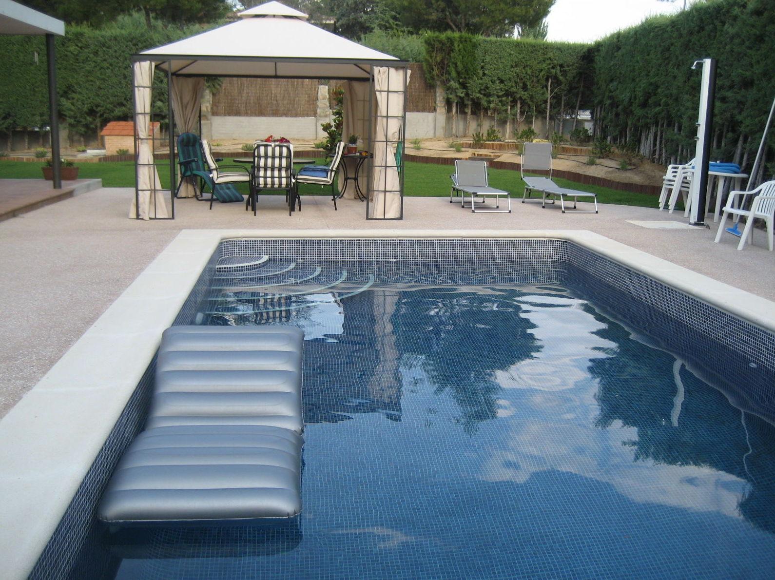 Piscina gunitada de 8x4 piscinas y accesorios de ardigral for Precio piscina obra 8x4