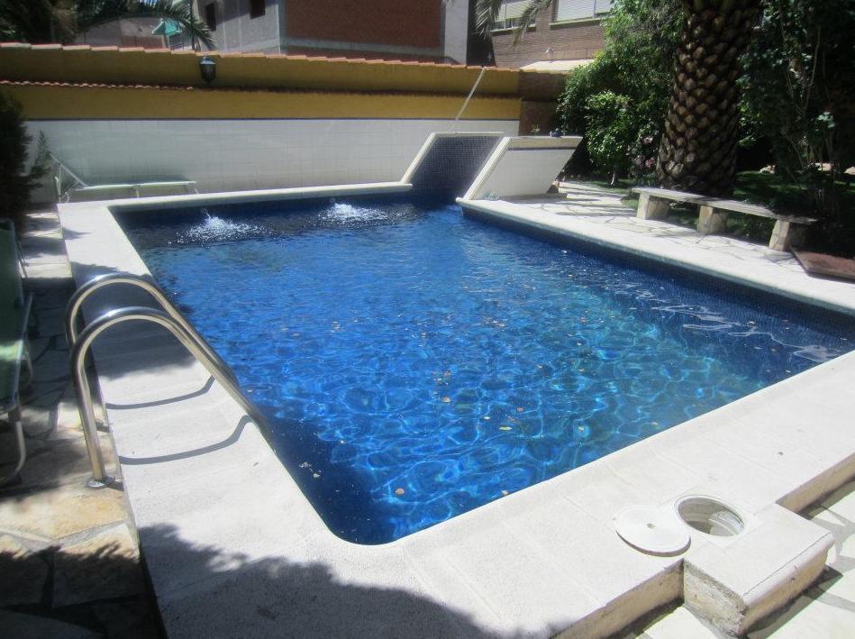 Piscinas de obra piscinas y accesorios de ardigral - Precio piscina obra 8x4 ...