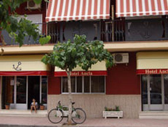 Foto 6 de Servicios turísticos en Oropesa del Mar | Hotel Ancla