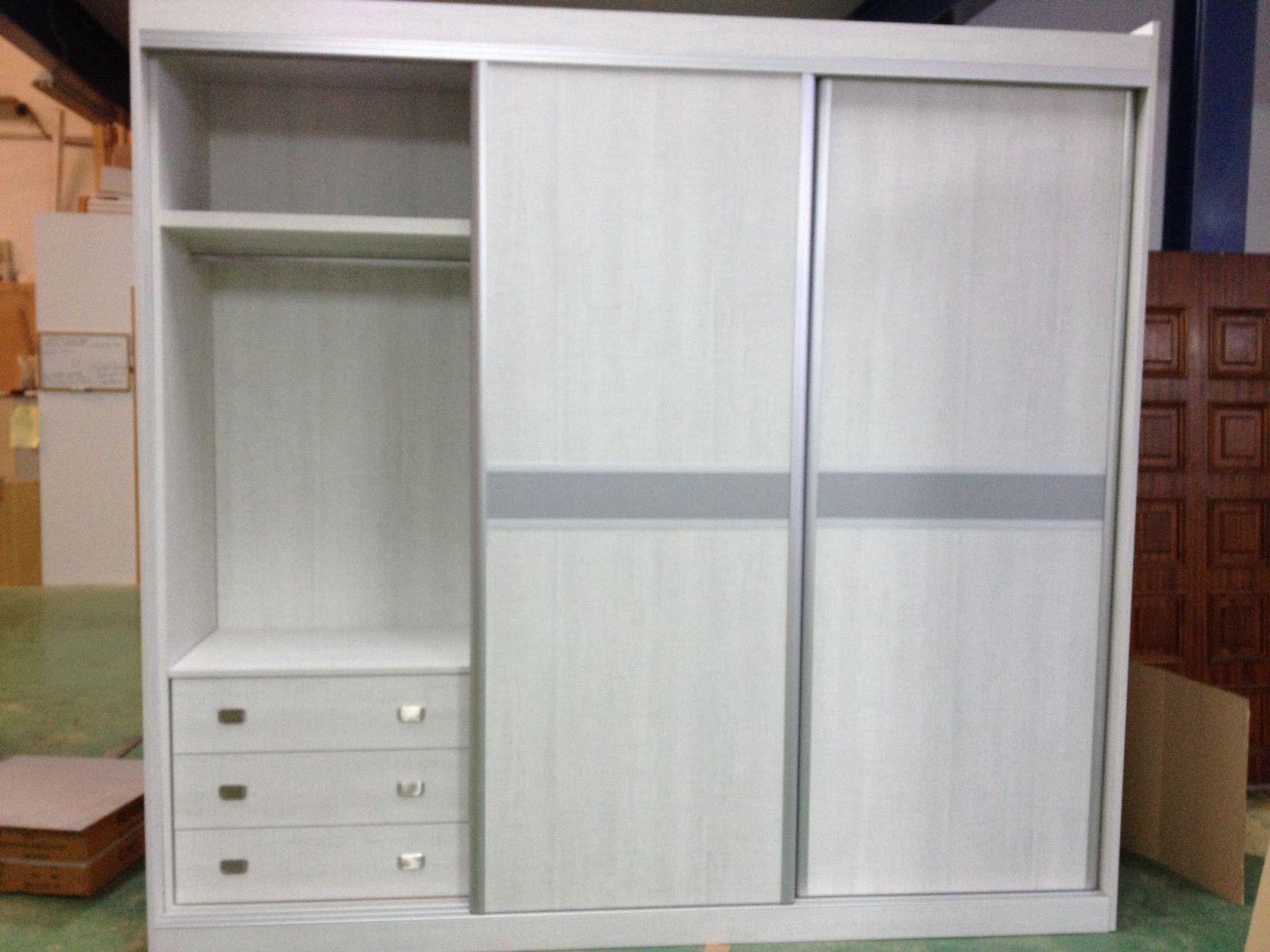 Interiores de armarios cat logo de cerrajer a y puertas for Accesorios para interiores de armarios de cocina
