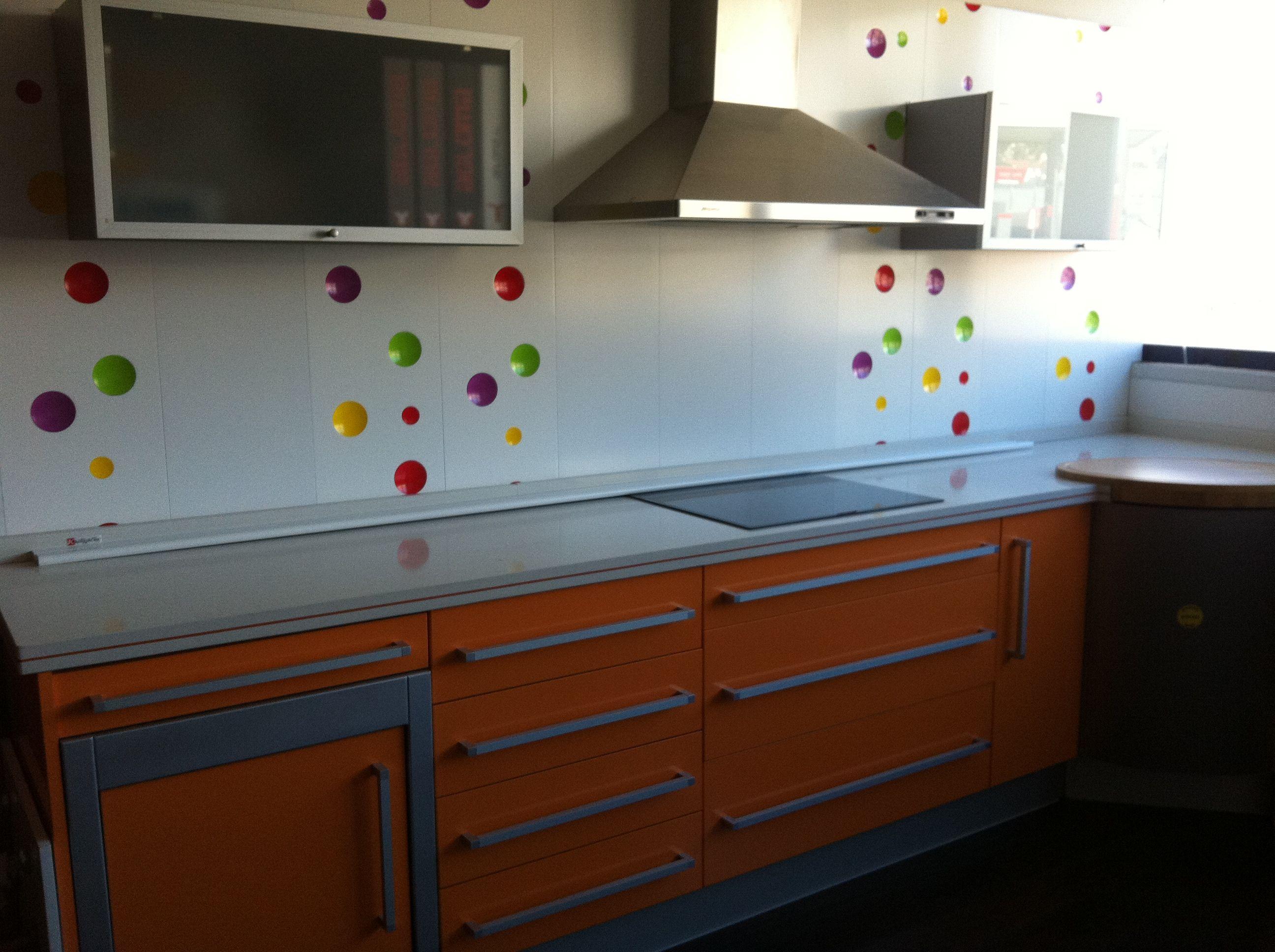 Muebles de cocina muebles de cocina de cerrajer a y for Muebles en elda