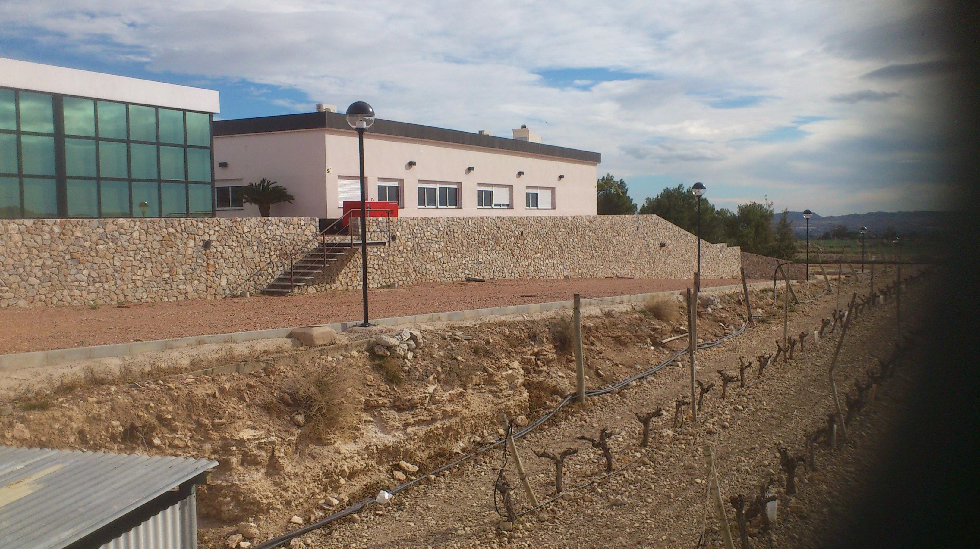 Foto 29 de canter a en jacarilla la almaina - Muros de contencion de piedra ...