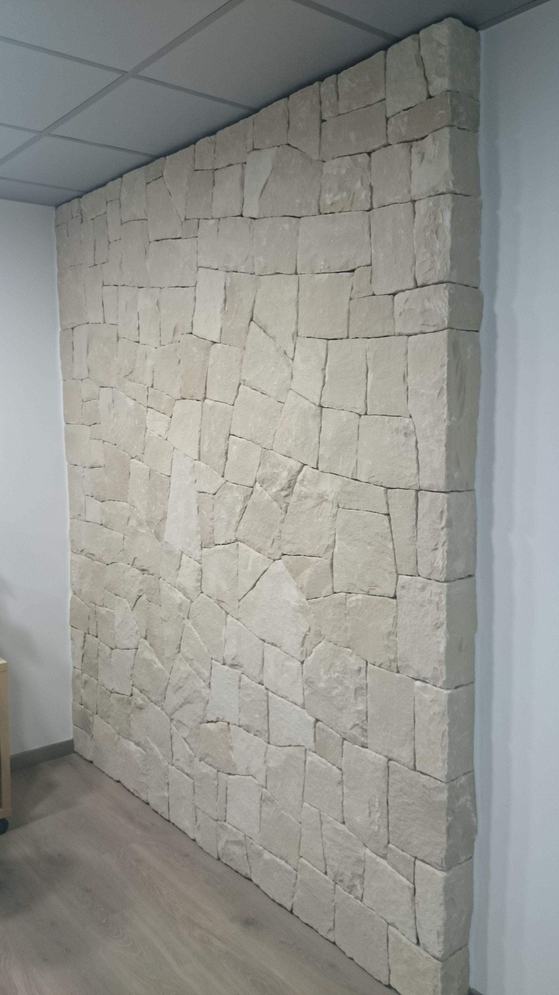 Mamposter a concertada en seco hueso en piedra blanca de for Piedra de silleria