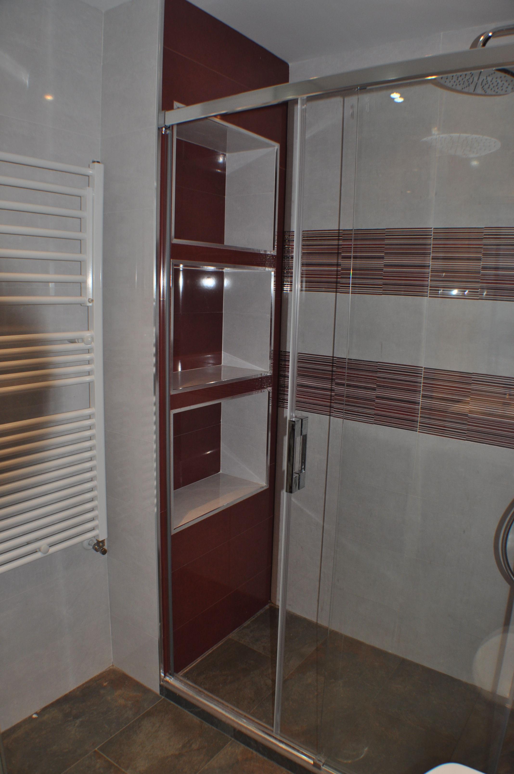 Foto 7 de muebles de ba o y cocina en alcobendas mundo ba o for Muebles para ducha