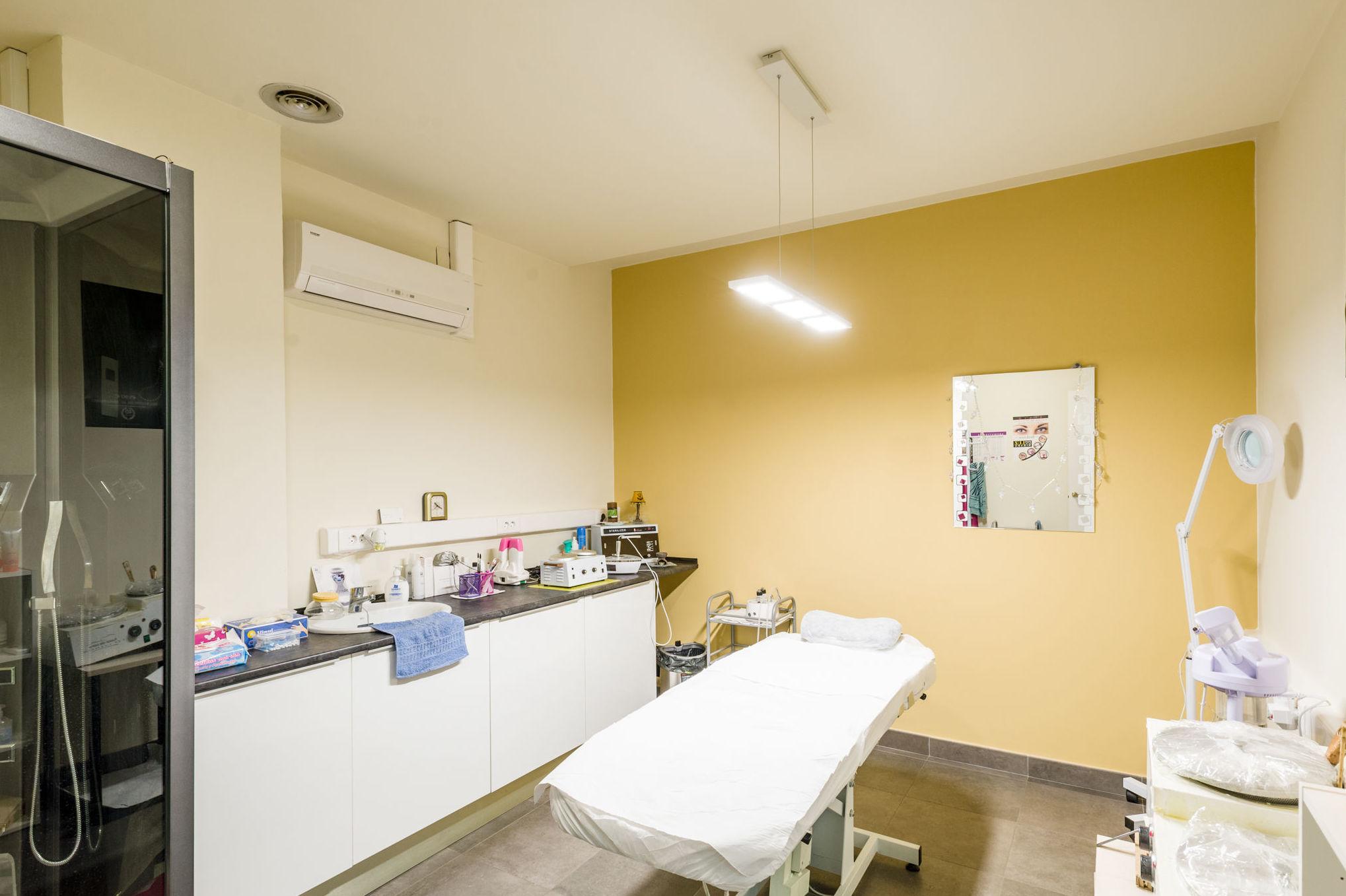 Cabina de tratamientos Faciales y corporales