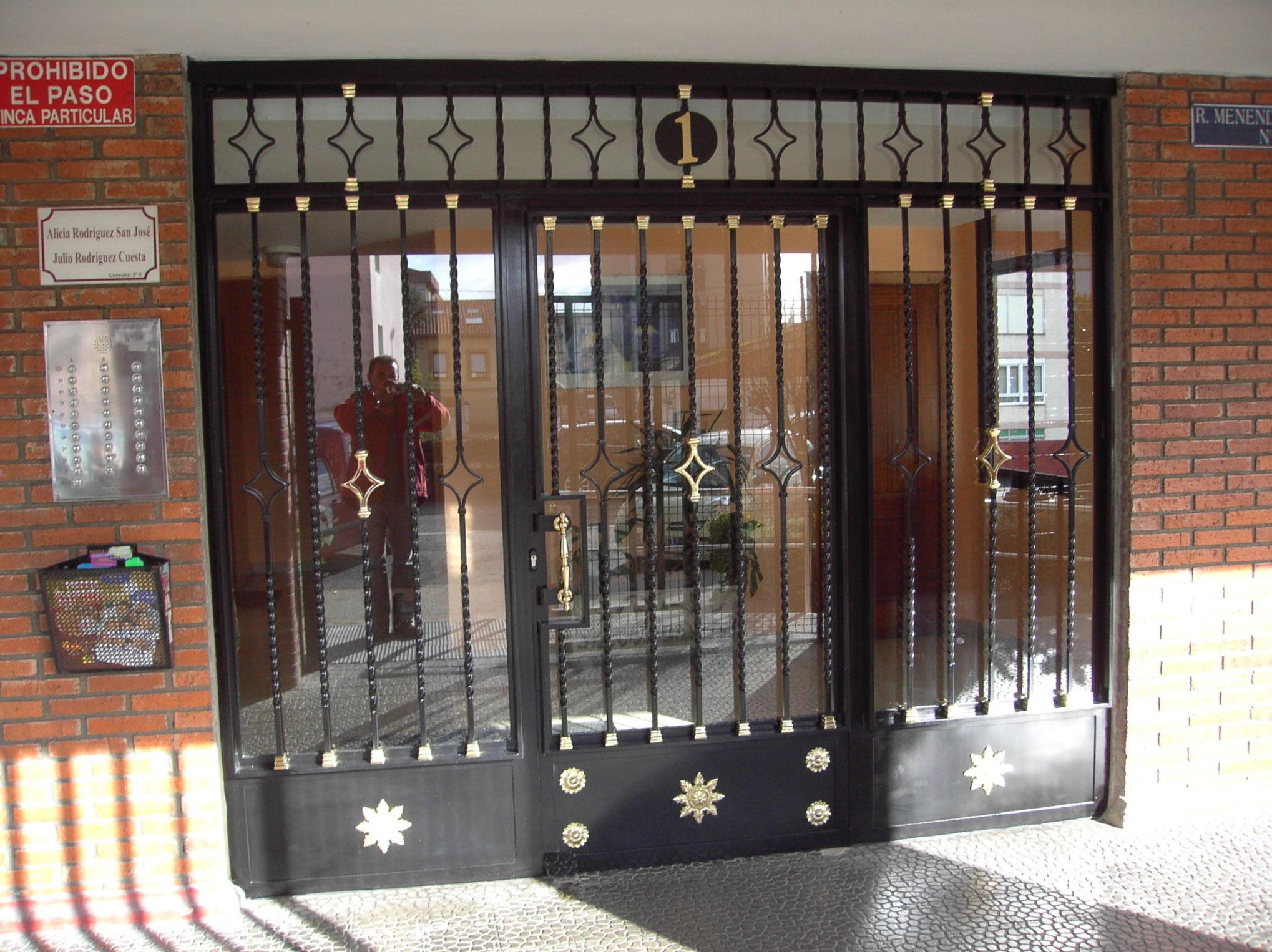 puertas para cerramientos metalicos materiales de