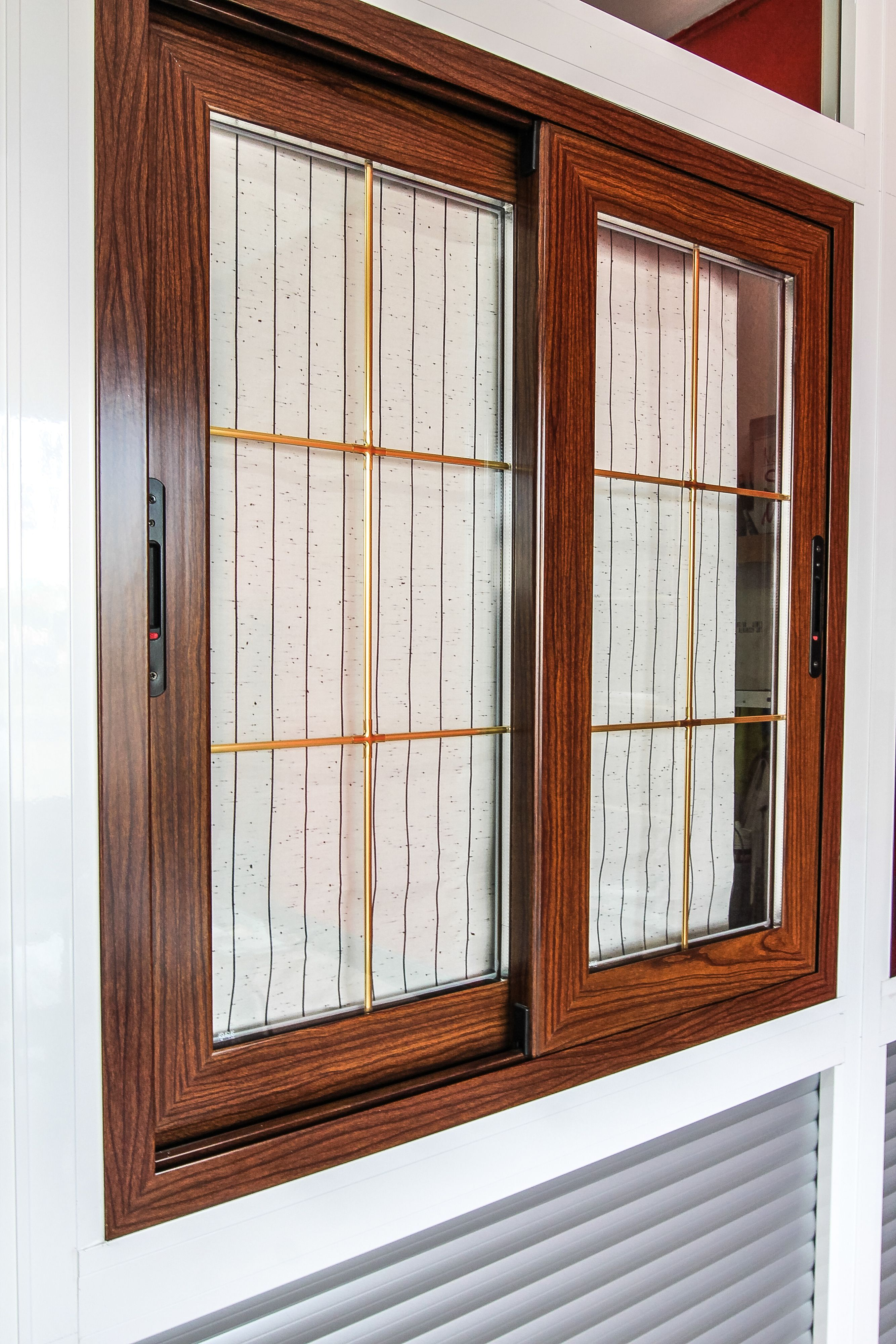 Ventanas pvc madrid presupuesto aluminios tello for Precio ventana pvc con persiana