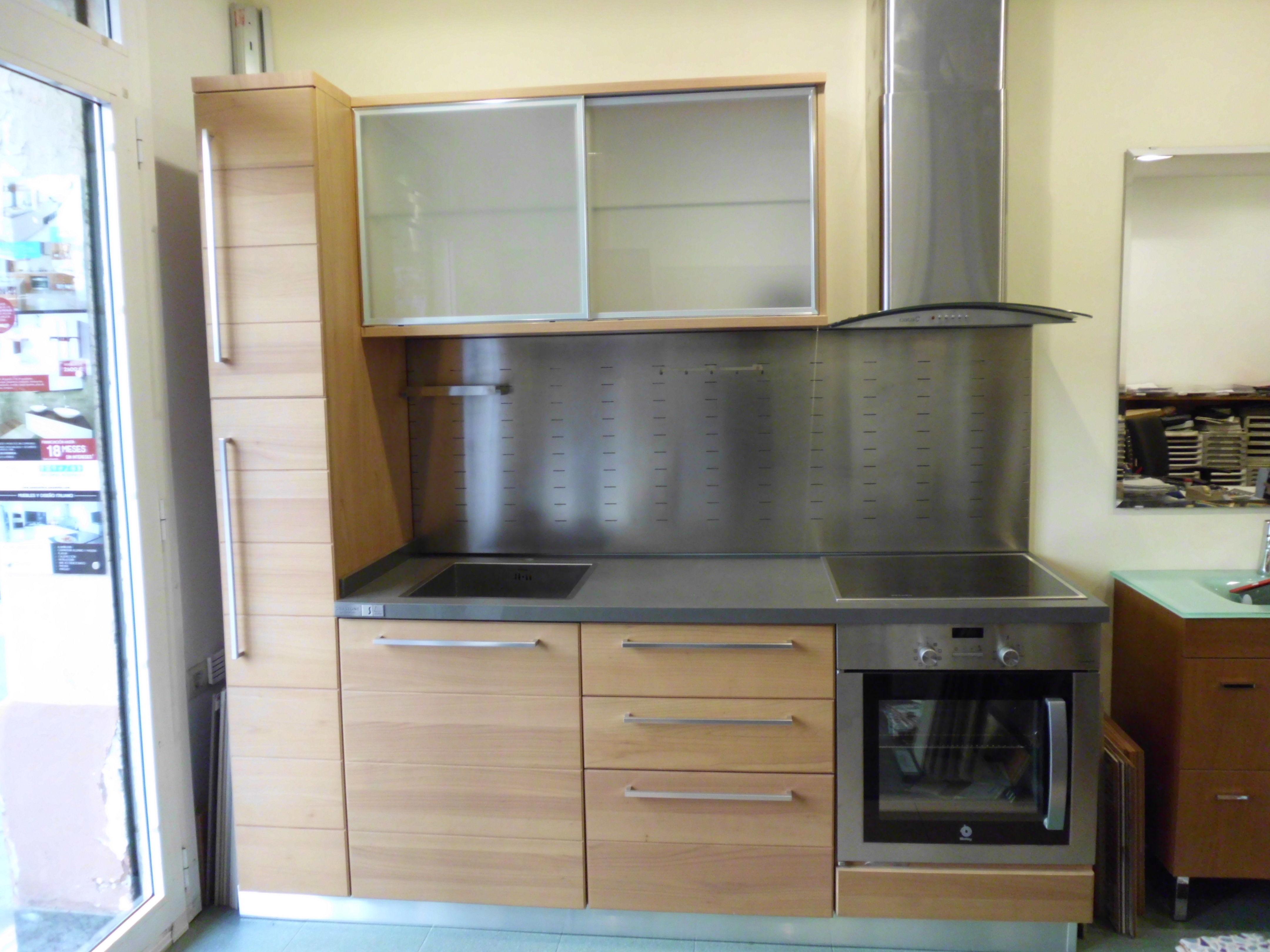 Oferta muebles cocina escavolini servicios y productos de for Oferta muebles cocina