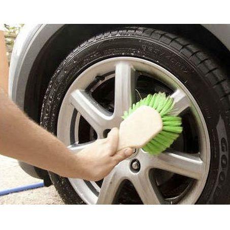 Limpieza integral de coches servicios de funditex for Limpieza de coches barcelona