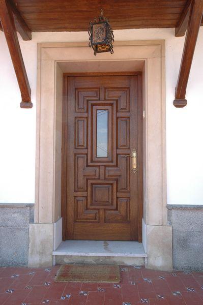 Pe 00118 puerta exterior catalogo de productos de - Puertas exterior asturias ...
