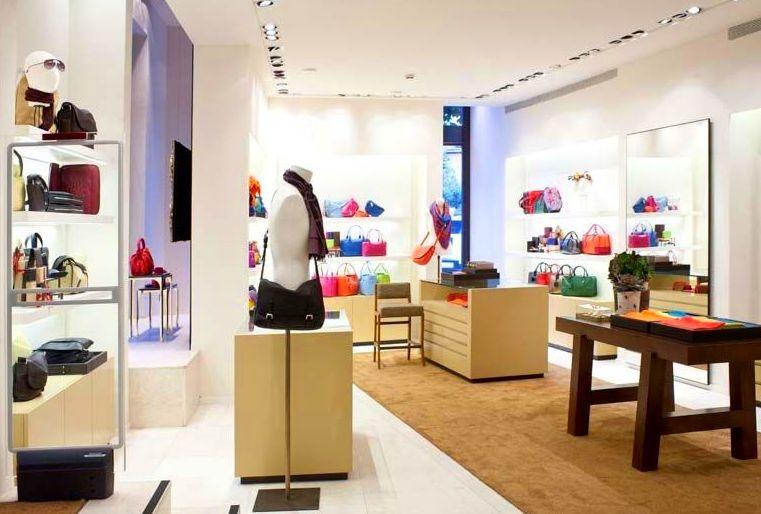 Ejecución proyectos interiorismo y mobiliario comercial sector Retail (Loewe)