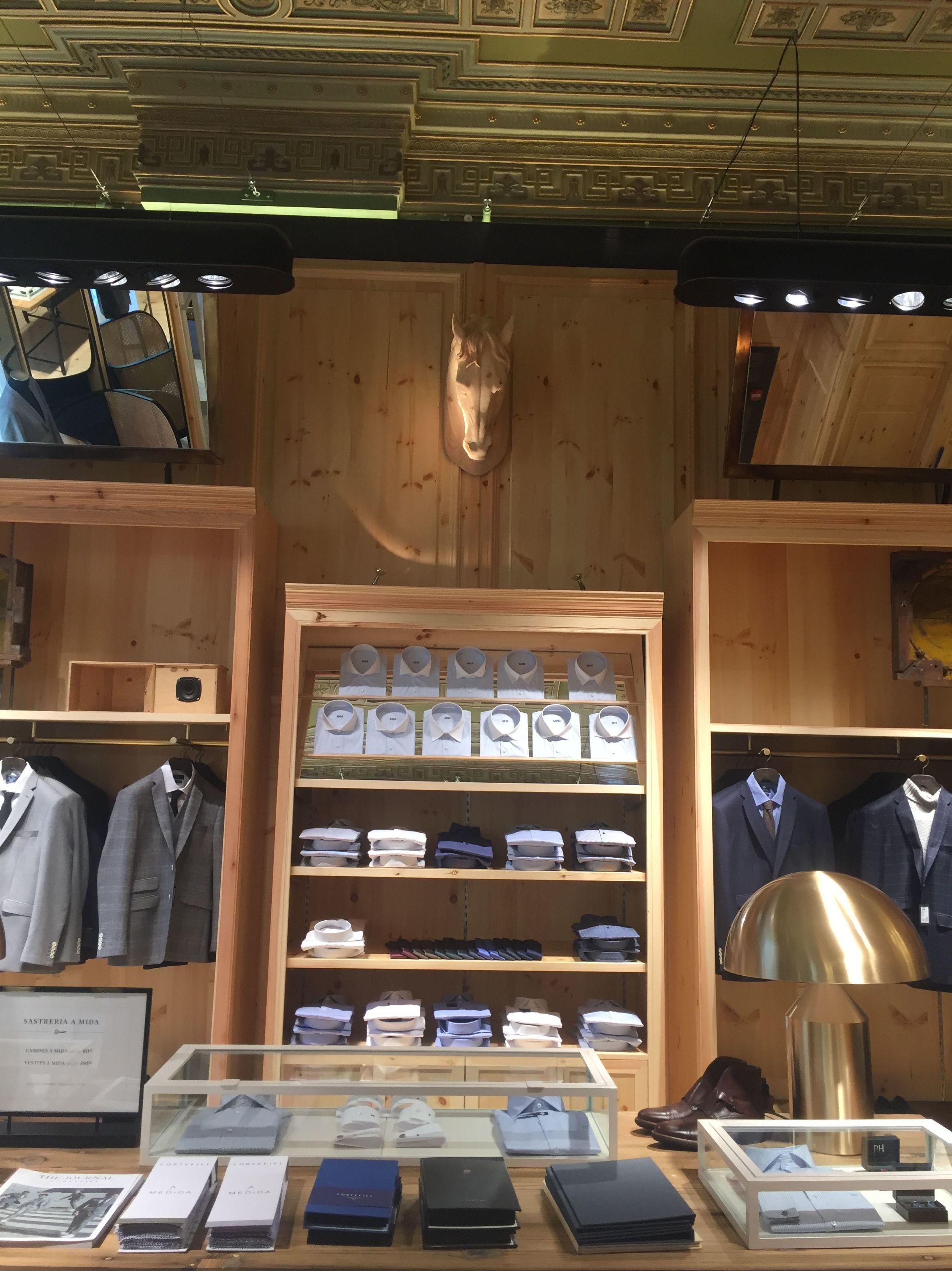 Zona para ropa de caballeros