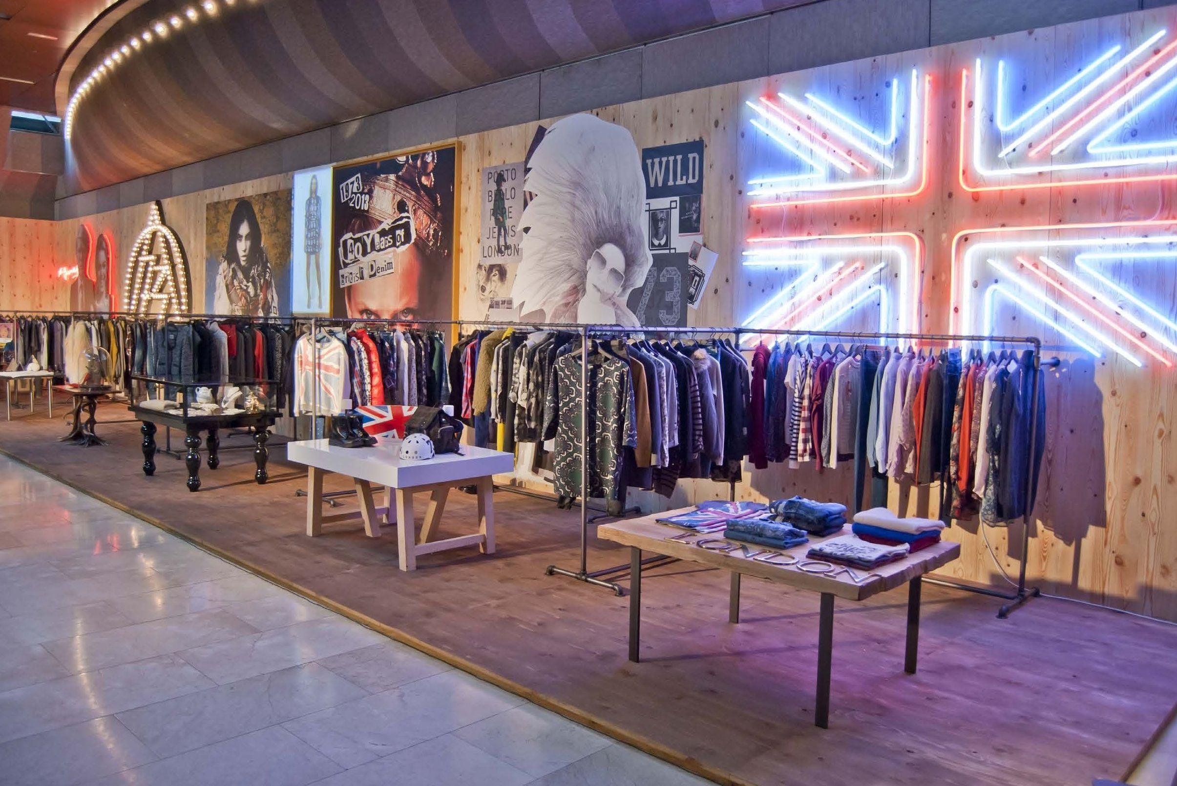 Ejecución proyectos interiorismo, mobiliario comercial y corporativo sector Retail (Pepe Jeans)