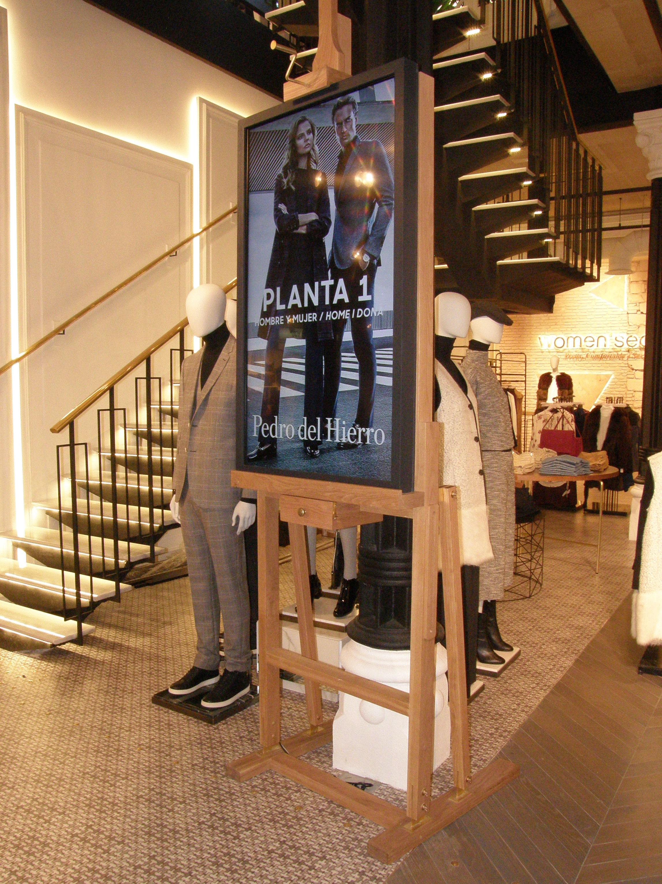 Escalera de tienda de ropa