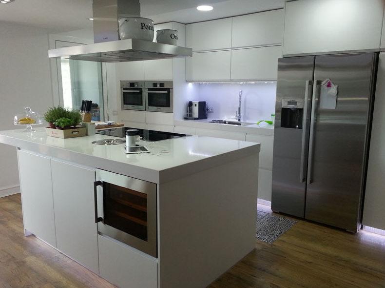 Cocinas modernas con isla zuordnung stil cocinas modernas for Islas para cocinas modernas