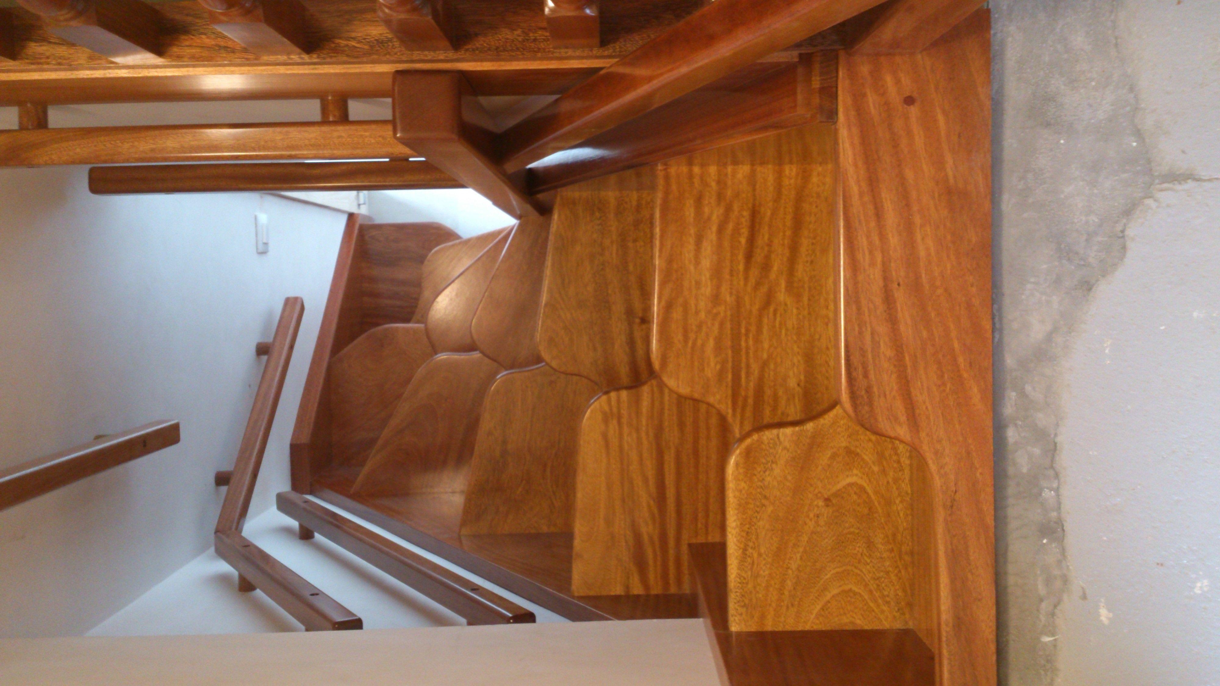 Escaleras con paso japon s para espacios reducidos - Escaleras metalicas plegables ...