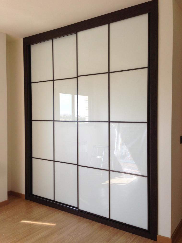 Armario a medida de estilo japones for Puertas japonesas