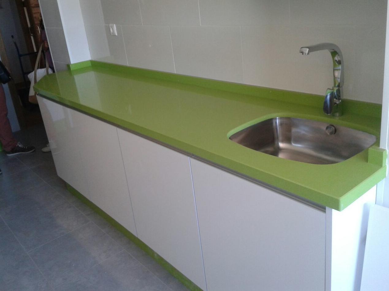 Foto 1 de muebles de ba o y cocina en huelva cocinas houston - Encimeras de cocina de formica ...