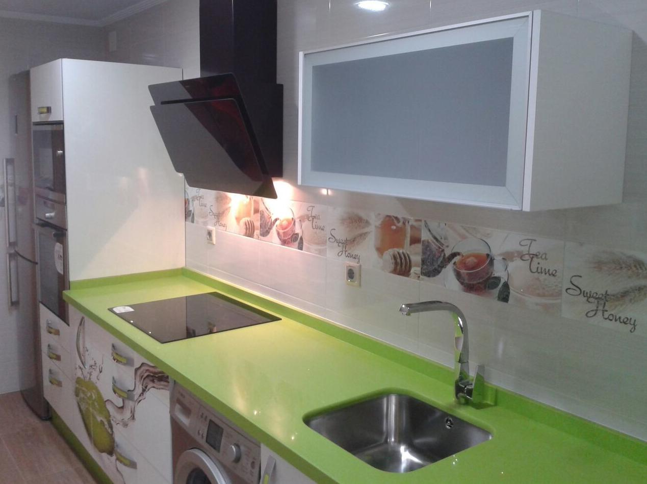 Muebles caoba huelva 20170904201758 for Cocina encimera verde