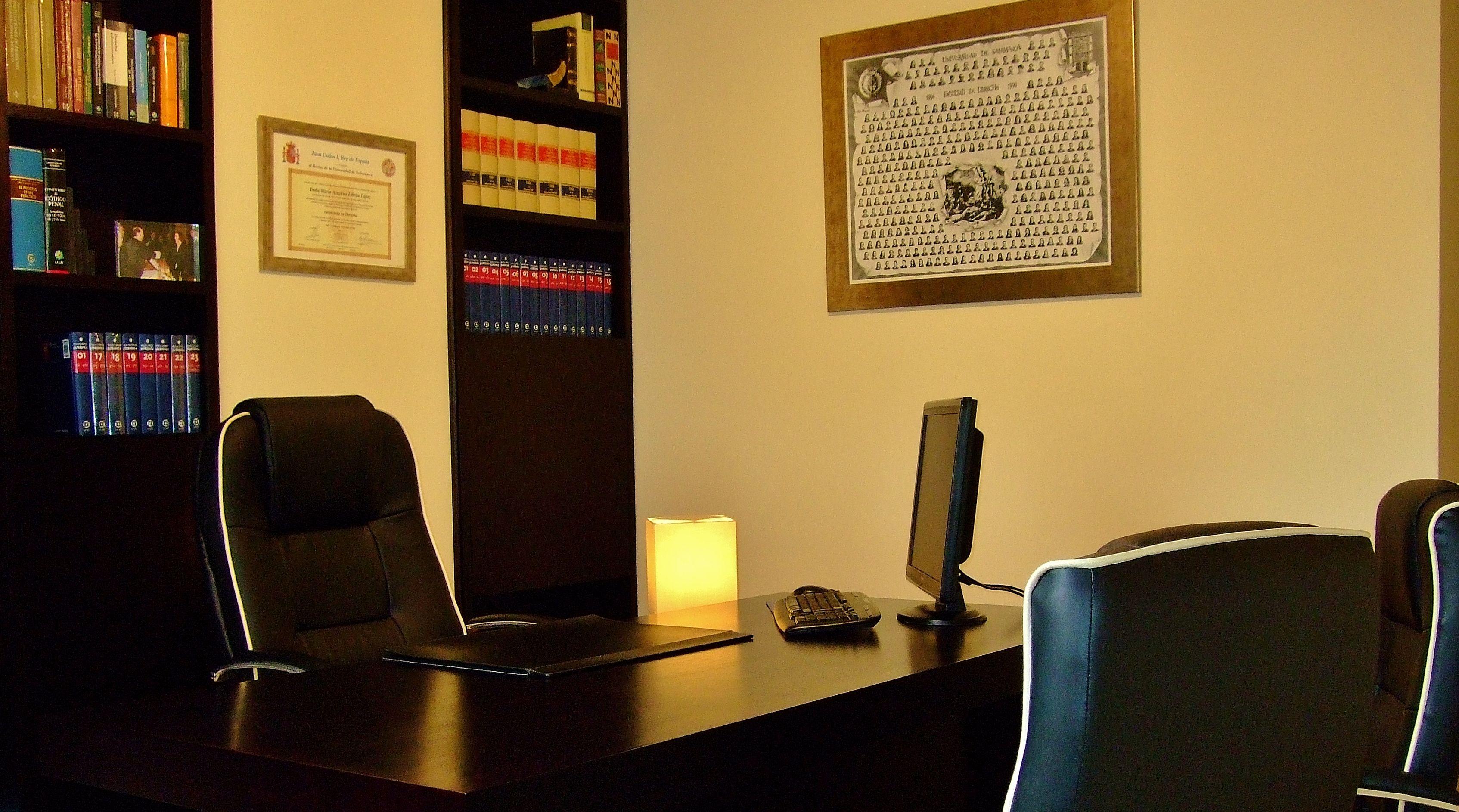 Despacho de abogados en ponferrada azucena libr n for Despacho de abogados
