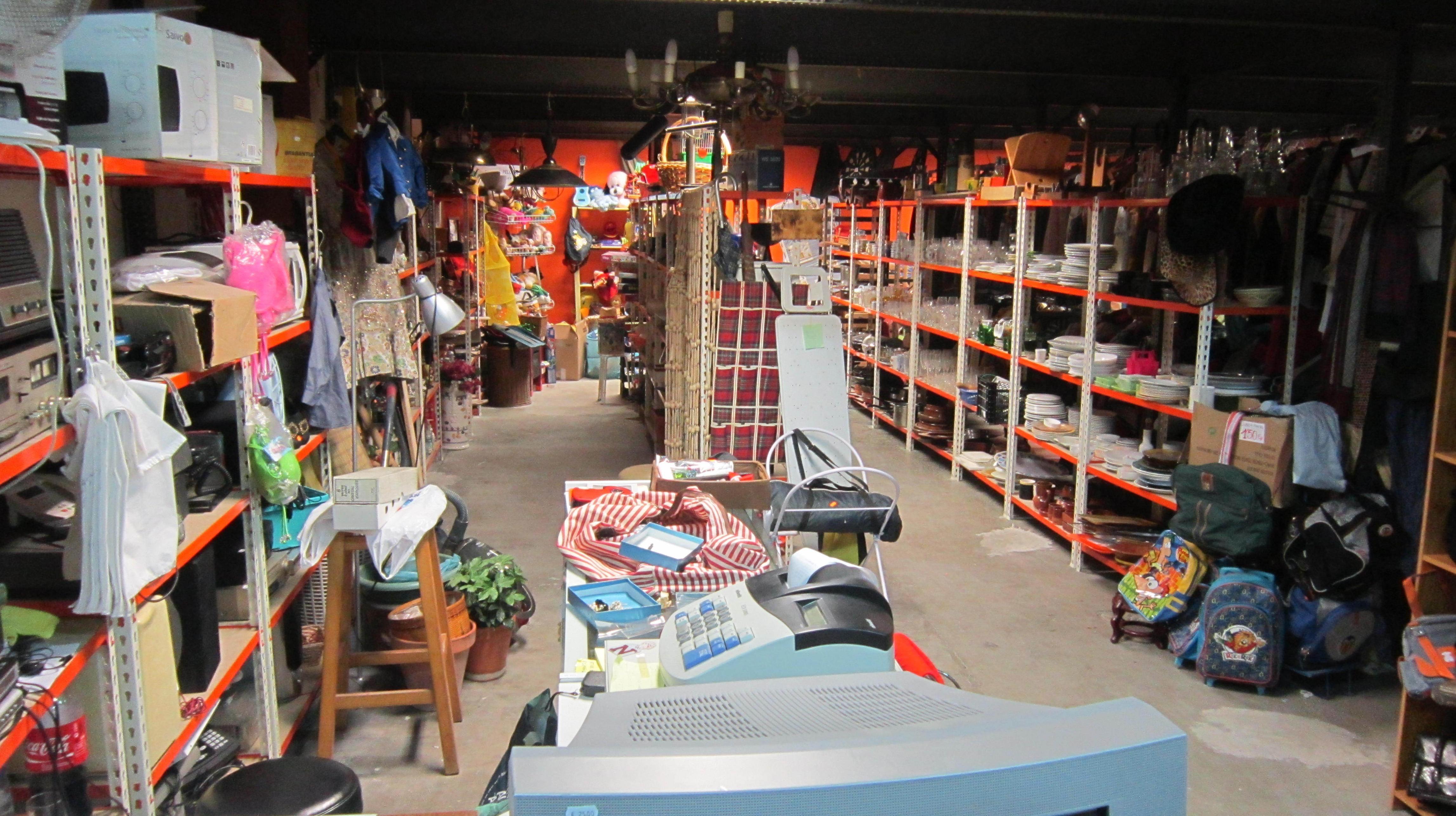 Tienda de muebles de segunda mano en malaga idee per for Muebles de segunda mano en malaga