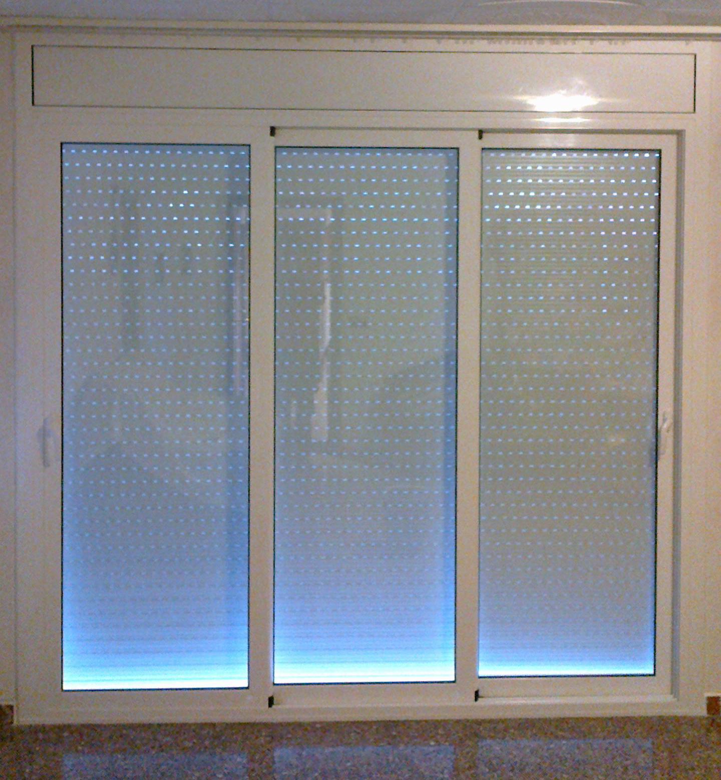 Puerta corredera aluminio cat logo de vicar - Puerta corredera de aluminio ...