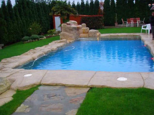 Foto 8 de piscinas en piscivalen for Bordes decorativos para piscinas