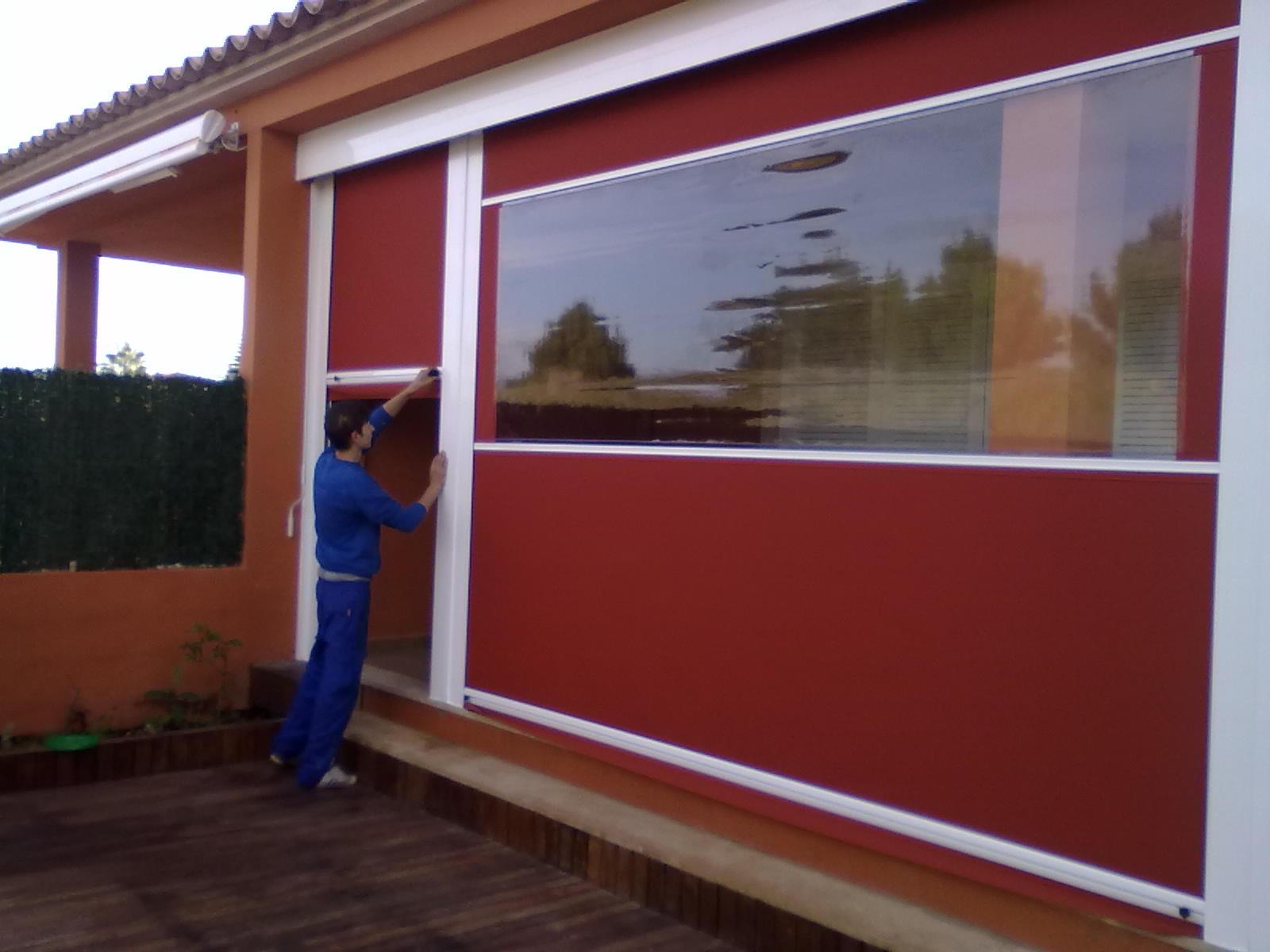 Toldos laterales para pergolas materiales de for Toldo lateral para terraza