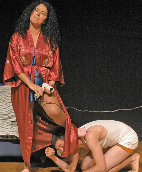 Alumnos de Arte Dramático de Artebi actuando ante público. 2013.