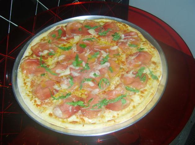 Todo tipo de pizza. Promociones especiales para Pizza Pi.